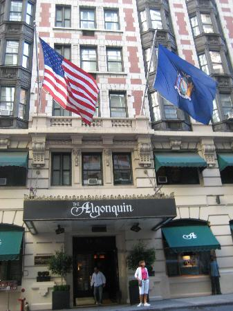 阿勒贡金酒店