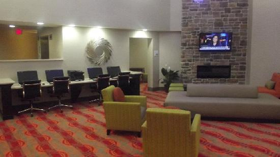 Holiday Inn Express Harrisburg: Lobby_Business Center Area