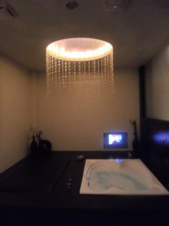 Xia Du Motel: Room 110 - Bathtub