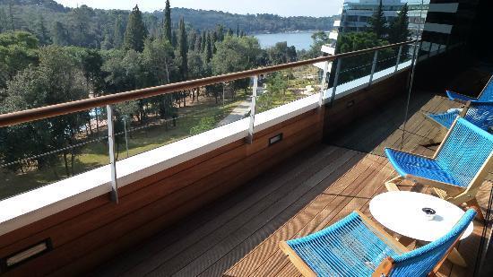 Hotel Lone: Blick vom Balkon aufs Meer