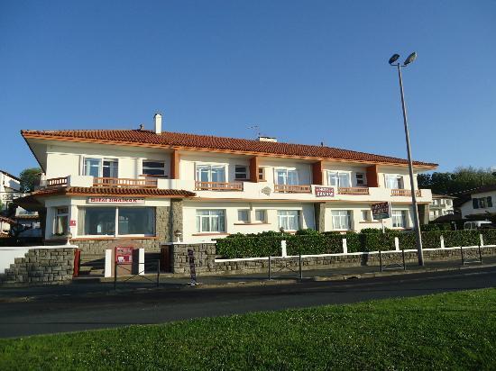 Hotel Uhainak: L'hôtel Uhaïnak à Hendaye, façade sur mer
