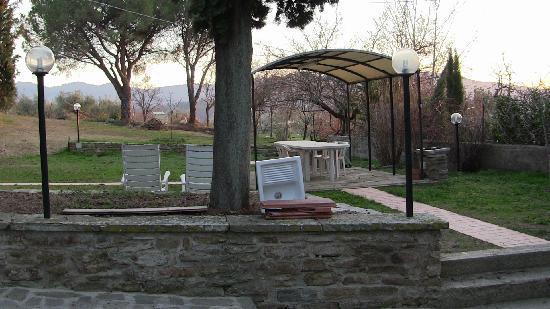 Casa Podere San Firenze: giardino