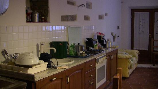 Casa Podere San Firenze: angolo cucina