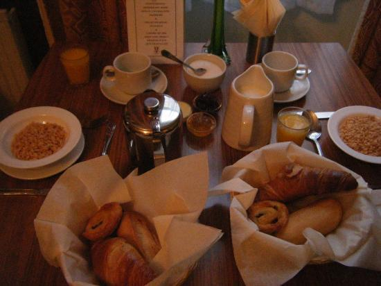 Gower House Hotel: Continental Bfast