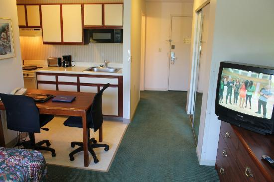 Extended Stay America - Rockford - State Street: Workable Space