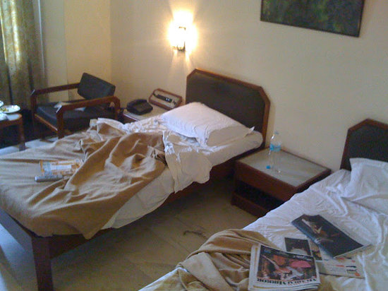 Hotel Atithi: twin bed room