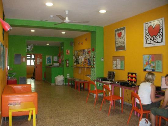 Indigo Youth Hostel: Hall