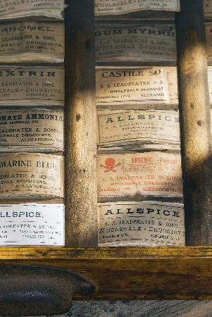 Stabler-Leadbeater Apothecary Museum: Apothecary Labels
