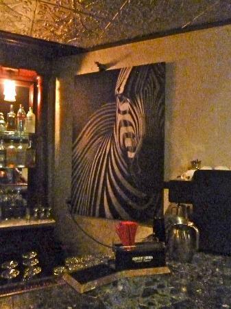 Maximo's: Maximo bar decor
