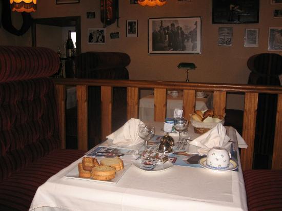 Hotel Du Manoir: La salle du petit déjeuner , très cosy