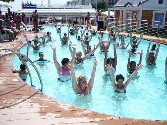 Animazione: acquafitness in piscina - Foto di Playa del Sol ...