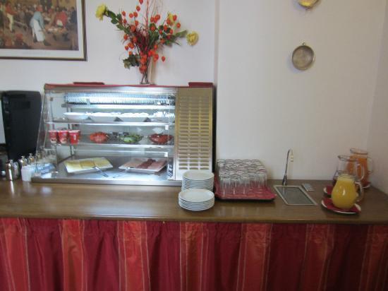 Hotel Adalbert: breakfast