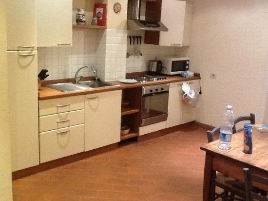 Fonti d'Ovile: Cozinha