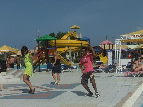 Mitsis Serita Beach Hotel : sou sou doing his zumba