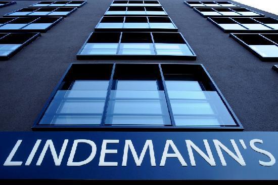 Lindemann's: Hotel