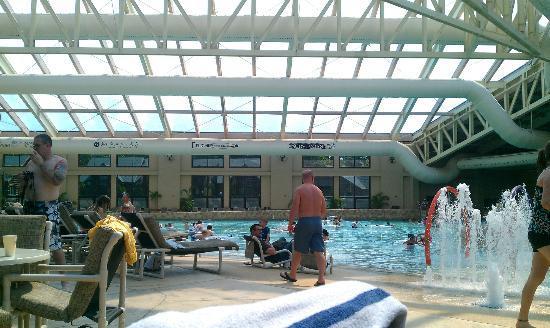 Glacier Canyon Lodge: Wave Pool