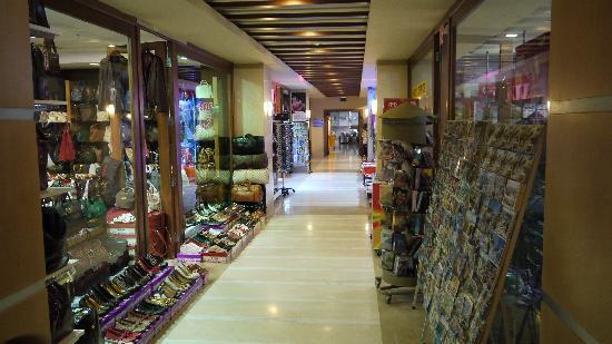 Liberty Hotels Lara: Hotel Shops