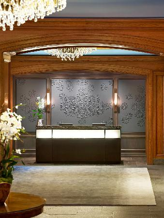 The St. Regis Aspen Resort: Front Desk