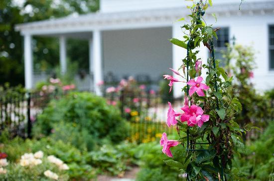 Butterfly Meadows Inn and Farm