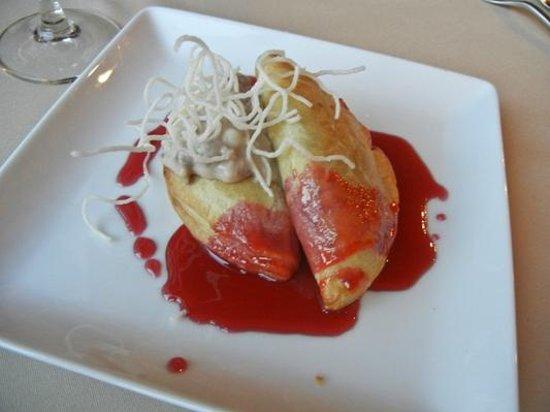 Prairie Star Restaurant & Wine Bar: Apple Empanandas