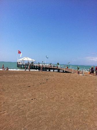 Concorde De Luxe Resort: La plage