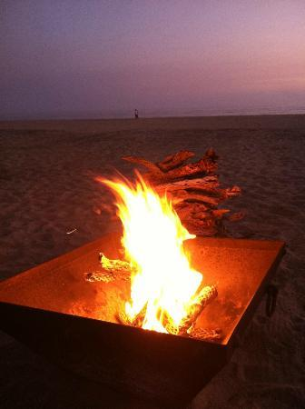 Rancho Pescadero: Included bonfires and dinner on beach