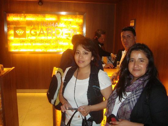 Wyndham Garden Panama City: Loby del hotel
