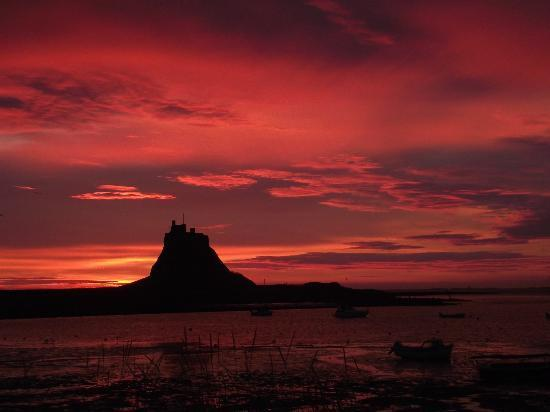 Celtic sunrise - Holy Island