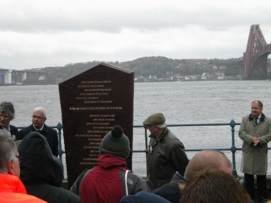 Forth Sea Safaris: Unveiling ceremony for Forth Bridge Memorial