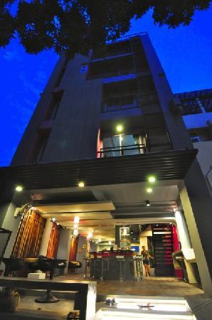 CheQinn - Bangkok Chic Hostel: getlstd_property_photo
