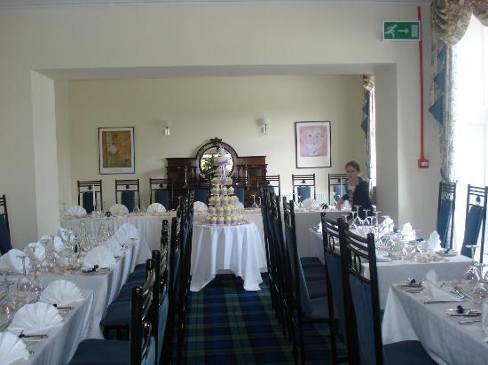 Balmacara Hotel: Function room set up for wedding reception
