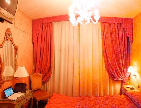 Antico Panada: room