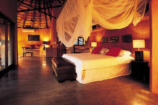 Pondoro Game Lodge: Luxury suite - Earth