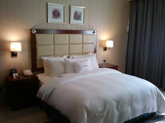 Doubletree by Hilton Ras Al Khaimah: Bed