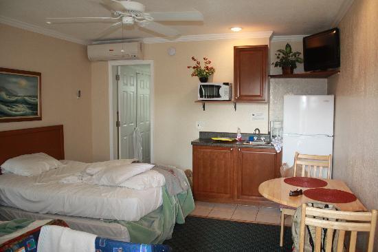 Sea Chest Motel: Habitacion