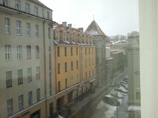 My City Hotel Tallinn : View from bathroom window