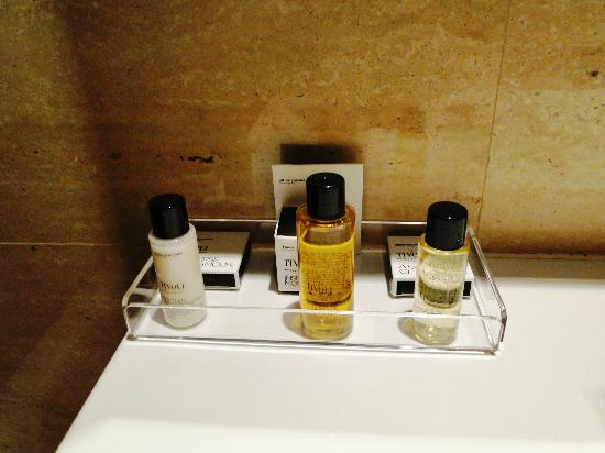 Tivoli Coimbra Hotel - Superior Room - bathroom - toiletries