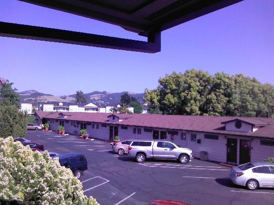 BEST WESTERN Garden Inn: View with Mountain