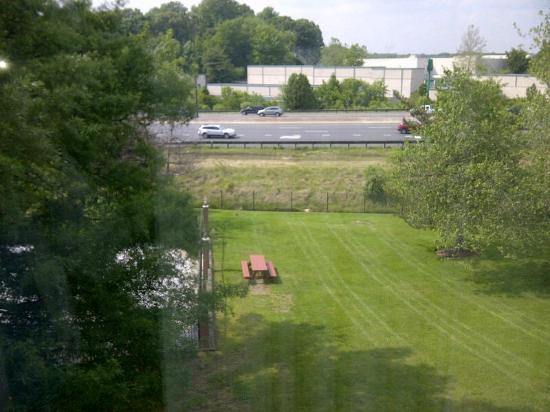 Doubletree by Hilton Hotel Annapolis: View from room of the highway
