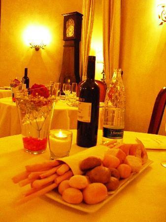 Romantic Hotel Furno: Cena, il nostro tavolo.