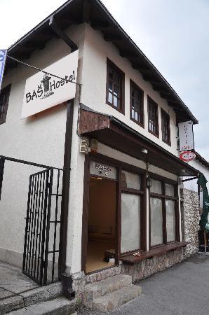 Bas Hostel