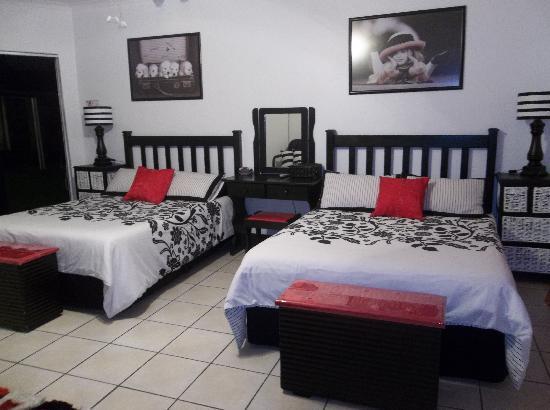 Linga Longa Guest House: Room 3
