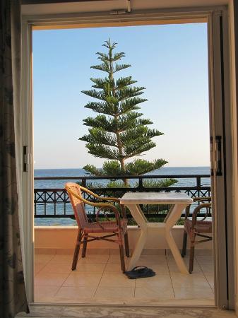 Sarikampos Beach Hotel: sea view