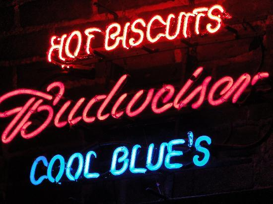 Biscuits & Blues: Neon lights