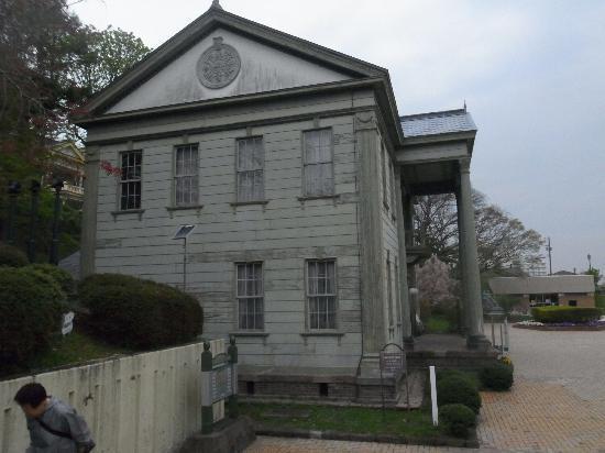 Hakodate City Museum of Photographic History: 左横から見た