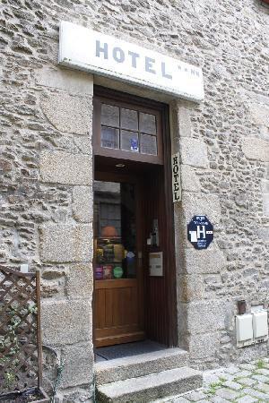 Hotel de La Tour de L'Horloge : Entrance