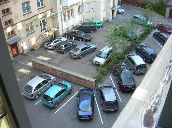 Kaunas Hotel: Parcheggio