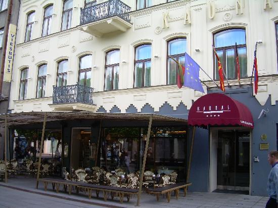 Kaunas Hotel: Entrata dell'Hotel