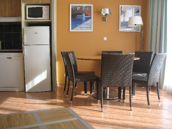 Pierre & Vacances Premium Résidence Port Prestige : living en keukenhoek