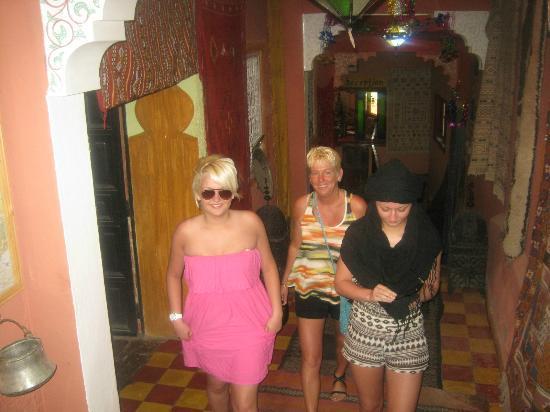 Maison d'hotes Anissa : Hallway of the hotel